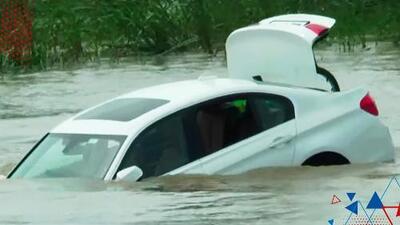 (VIDEO) Joven lanzó al rio un BMW nuevo porque quería un auto diferente para su cumpleaños