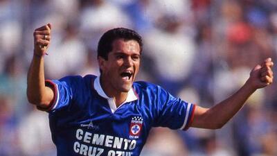 Carlos Hermosillo, memorias de un ídolo del Cruz Azul
