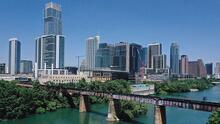 Ciudad de Austin eleva el nivel de riesgo de algas tóxicas en el lago Austin y el lago Lady Bird