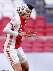 Ajax empata ante el Utrecht 1-1 en la Eredivisie, jugando su juego número 21 que quedaba pendiente. Simon Gustafson le daba la victoria a la visita al minuto 13 con penal, pero el mexicano Edson Alvarez se encargó de empujar el balón y empatar el partido.