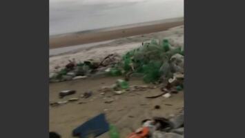 Las impactantes imágenes de un 'tsunami de basura' que revela la crisis de contaminación en Rio de Janeiro