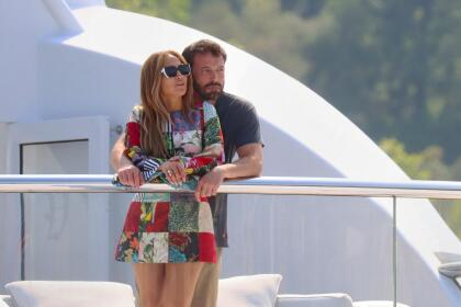 JLo y Ben Affleck: las fotos de sus besos en St Tropez   Famosos   Univision