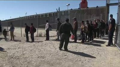 La poca vigilancia y la ayuda de indigentes facilita el cruce de inmigrante desde Ciudad Juárez hacia El Paso, Texas