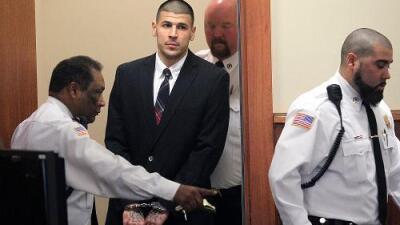 Se suicida en prisión el exfutbolista de la NFL Aaron Hernández, condenado a cadena perpetua por asesinato