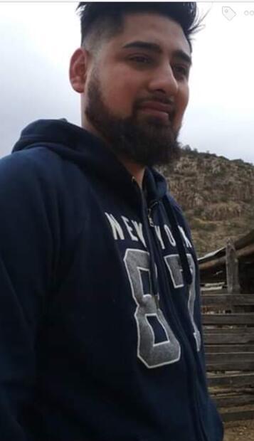Los familiares piden a la comunidad proveer cualquier información que ayude con el paradero de sus seres queridos a las autoridades. Aquí Martín Cigarroa, de 25 años, uno de los desaparecidos.