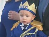 Caravana de autos para un príncipe: así celebró su primer cumpleaños el sobreviviente más joven del tiroteo de El Paso