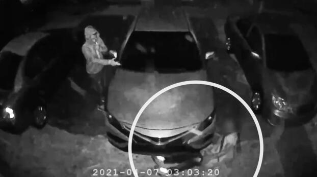 """""""No me mates por favor"""": víctima de un robo a mano armada en Broward ruega por su vida"""