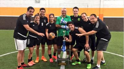Con Hristo de arquero y Zamorano de delantero, los Talentos de Univision sumaron un título más en su carrera