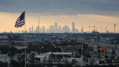 Cielos parcialmente nublados y posibles lluvias para este jueves en Houston