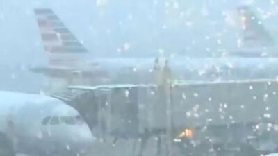 Clima ha causado retrasos y cancelaciones de vuelos