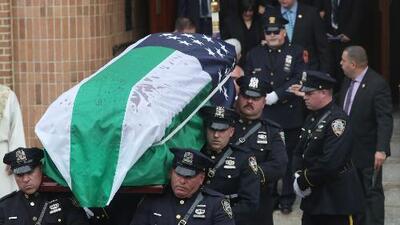Como un héroe, así despidieron al policía hispano que luchó por los derechos de los sobrevivientes del 9/11