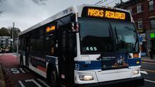 ¿Cómo lidian los neoyorquinos con el servicio de los autobuses del transporte público?