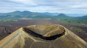 """¿Podría nacer un volcán en México? Investigadores temen que un """"enjambre"""" sísmico sería el inicio de uno"""