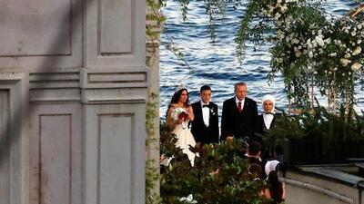 Ozil sigue decepcionando a Alemania: su padrino de bodas fue el autoritario Erdogan