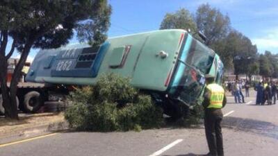 Mueren 12 hinchas del Barcelona de Ecuador en accidente de autobús
