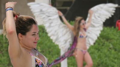 Así disfrutó Sherlyn de unas 'angelicales' vacaciones en una playa mexicana