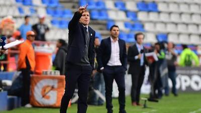 Martín Palermo prefiere a Dávila por Cardona y le funciona