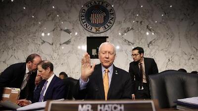 Los republicanos del Senado buscan aprovechar la reforma tributaria para eliminar la obligación de tener un seguro médico