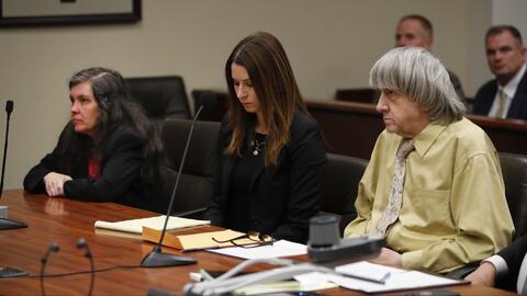 Condenan a cadena perpetua a los padres que mantenían en cautiverio a sus 13 hijos