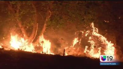 Incendios implacables al norte de California
