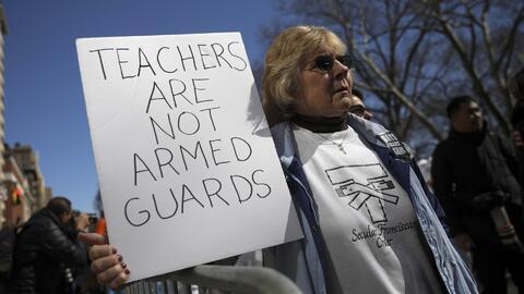 Proyecto que busca armar maestros en las escuelas sigue generando polémica entre la comunidad y legisladores de Florida