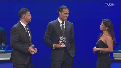 ¡Impasable y con gol! Virgil van Dijk se llevó el premio a mejor defensa de la Champions League 2018-2019