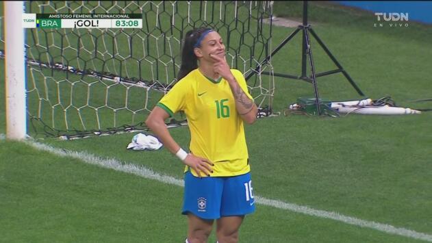 ¡Ya es goleada! Beatriz no perdona y marca el 4-0 sobre el Tri