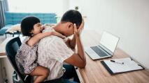 ¿Ruido, videoconferencias, estrés? Cómo sobrellevar el trabajo de múltiples familiares desde casa