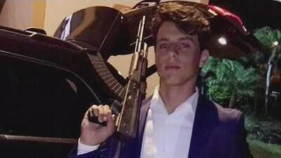 Sale de la cárcel el joven que tenía fotos con armas en redes sociales y pornografía infantil en su celular