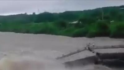 En video: La fuerte corriente de un río provoca el desplome de un puente en Cuba