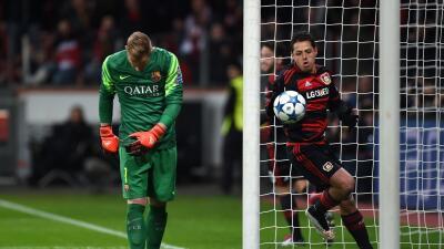 Bayer Leverkusen 1-1 Barcelona: Chicharito le anotó al Barça pero no alcanzó para avanzar