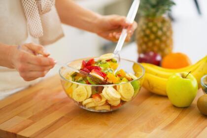 Encuentra diferentes recetas divertidas en el internet para hacer en casa.