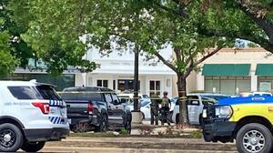 """""""Una disputa doméstica"""" fue el detonante del tiroteo que dejó tres muertos en Austin"""