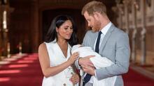 Así fue la presentación oficial del bebé del príncipe Harry y Meghan Markle