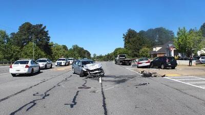 Dos personas muertas tras accidente que involucró a conductor hispano en Lawrenceville