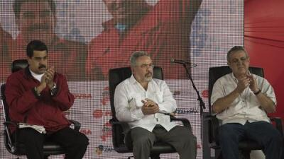 Gobierno de Maduro detiene a dos altos cargos de la industria petrolera y los acusa de corrupción