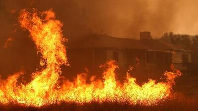 Surgen 100 nuevos incendios en California en solo cuatro días