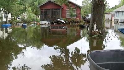 La pesadilla de las inundaciones por Harvey persigue de nuevo a estas familias de Texas