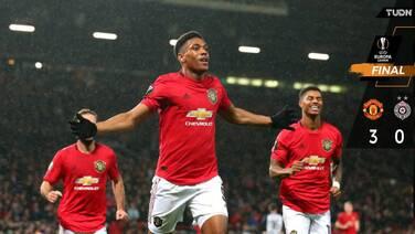 Manchester United golea y se aferra a la siguiente ronda