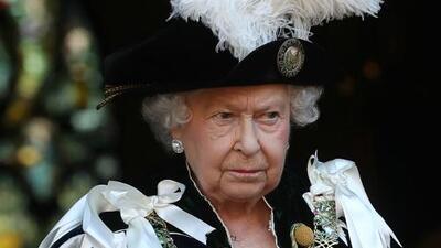 La reina Isabel falta al bautizo del príncipe Louis; Meghan y Harry tampoco serán padrinos