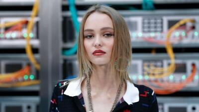 Lily-Rose Depp confiesa que padeció anorexia