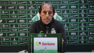 """Almada sobre renovación con Santos: """"No ha habido charla alguna"""""""