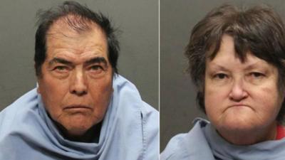 Una pareja es arrestada por abusar de sus 4 hijos adoptivos y mantenerlos con acceso limitado a comida, agua, luz y baño