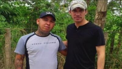 Asesinan a cuatro familiares de paramilitar colombiano que aparece en fotografía con Guaidó, indicó la Fiscalía de Venezuela