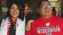 """""""Sus sacrificios no fueron en vano"""": el video viral de una joven dreamer que fue aceptada en la escuela de derecho"""