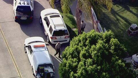 Bomberos logran revivir a dos hombres víctimas de una sobredosis en Los Ángeles
