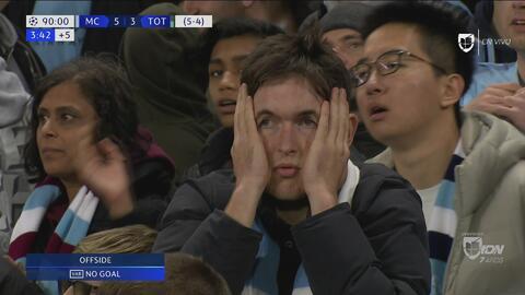 El VAR le quita la ilusión al Manchester City en el tiempo de descuento