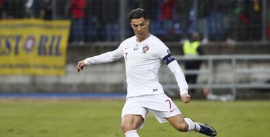 Le corean el nombre de Messi a Cristiano