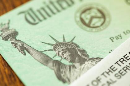 Una de las ayudas contempladas en el más reciente paquete de estímulo económico es un incremento en los montos del Crédito Tributario por Hijo o  <i>Child Tax Credit</i>, aunque solo por este año.