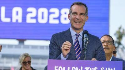 El alcalde (medio latino) de Los Ángeles empieza el camino hacia la presidencia de EEUU